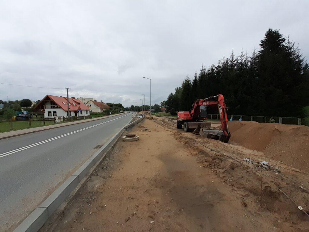 Budowa drogi rowerowej i zatoki autobusowej przy DK63 w Pozezdrzu